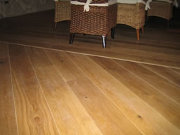 Wehrheim Holzbodenbearbeitung Vom Bodenlegerprofi - Holzboden verlegen richtung